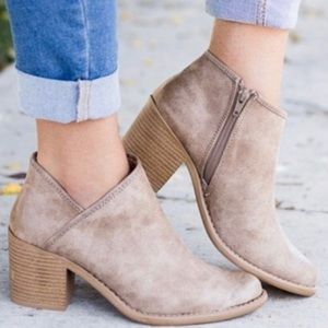 ✨HP!✨ BEST SELLER! Tan Leather Booties✨